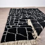 tapis berbere beni ouarain noir dos