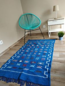 tapis berbere kilim bleu matiere